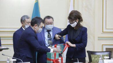 Photo of Министр Аида Балаева «Қызыл қар» атты романның тұсаукесеріне қатысты