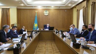 Photo of Бердібек Сапарбаев саяси партиялар филиалдарының жетекшілерімен кездесті